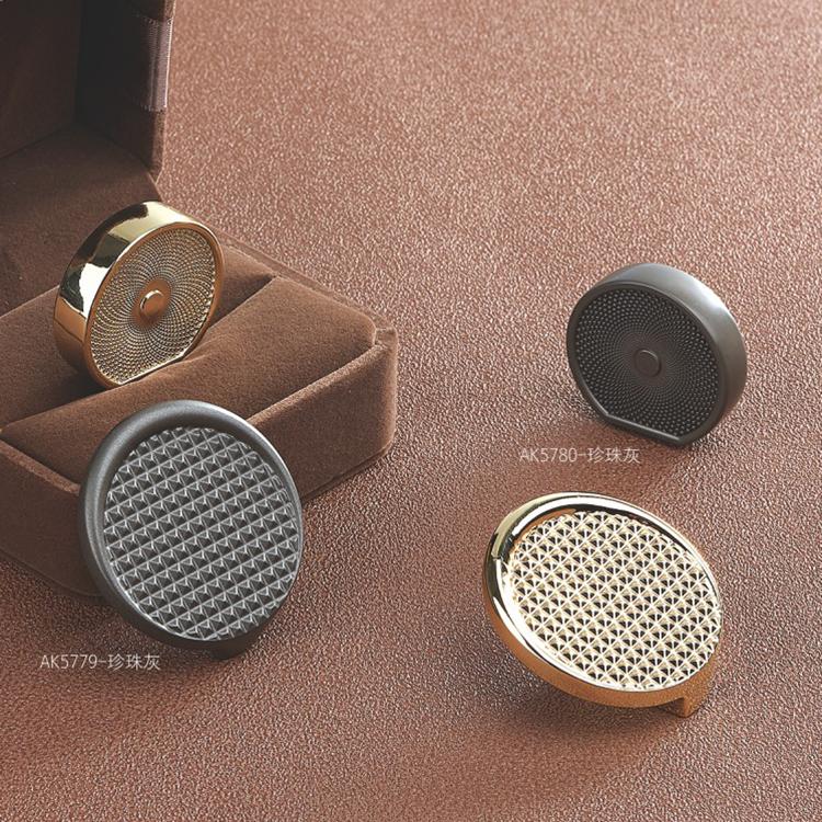 Small round shape drawer knob